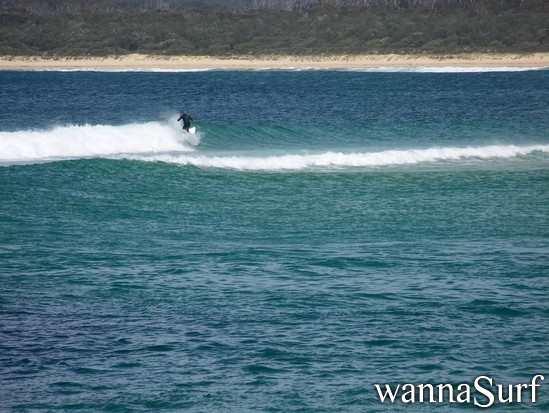 Merimbula Australia  city photos gallery : Merimbula bar Surfing in Far South, Australia WannaSurf, surf ...