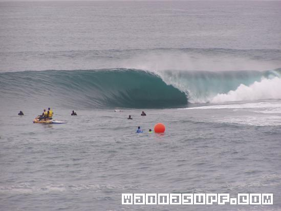 https://www.wannasurf.com/spot/Australia_Pacific/Australia/NSW/Sydney_South/shark_island/photo/photo_surf_Australia_NSW_Sydney_South_shark_island_42ee58a9b768a.jpg
