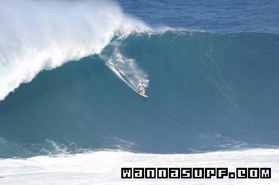 Jaws  Surfing In Maui United States Of America