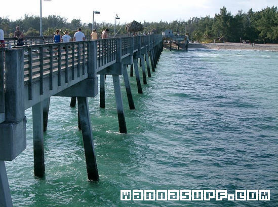 Dania pier surfing in south florida united states of for Dania beach fishing pier